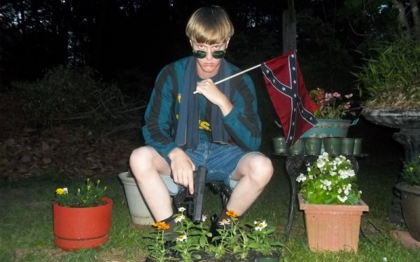 Dylann-Roof-with-confederate-flag