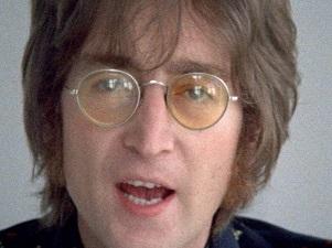John-Lennon-front-Beatles.jpg