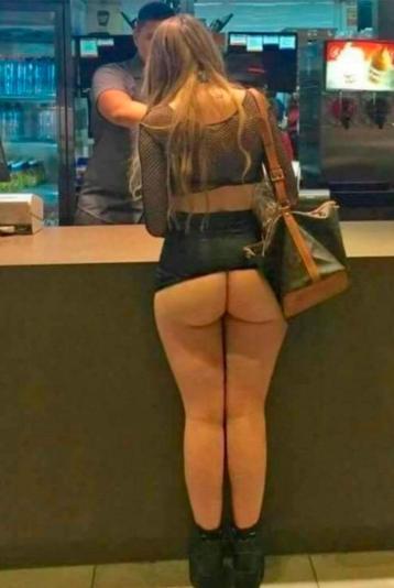 foto-mujer-hamburguesa-mallorca-diario